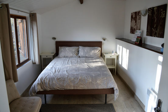 'Piggledy' is an ensuite double room with king size bed.